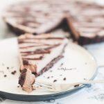 Хапка сурова здравословна шоколадова торта