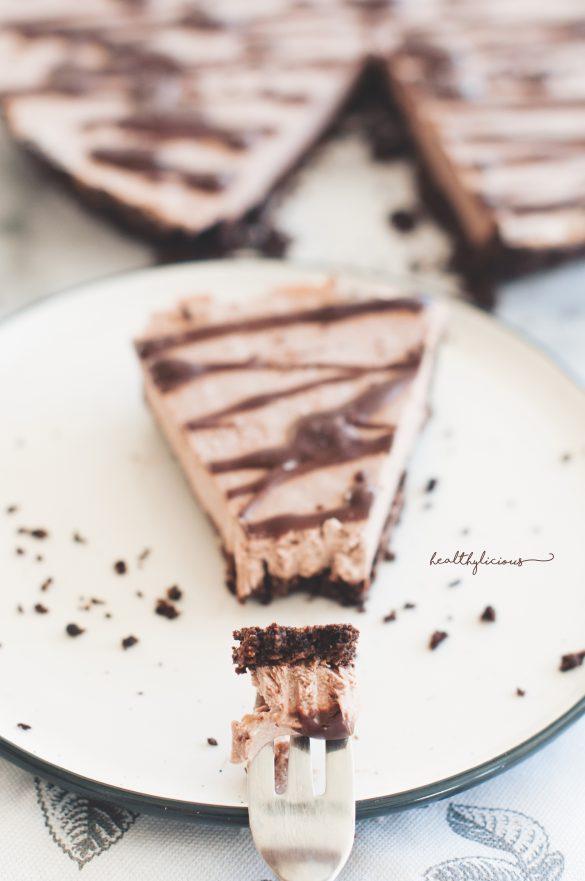 Веган сурова здравословна шоколадова торта