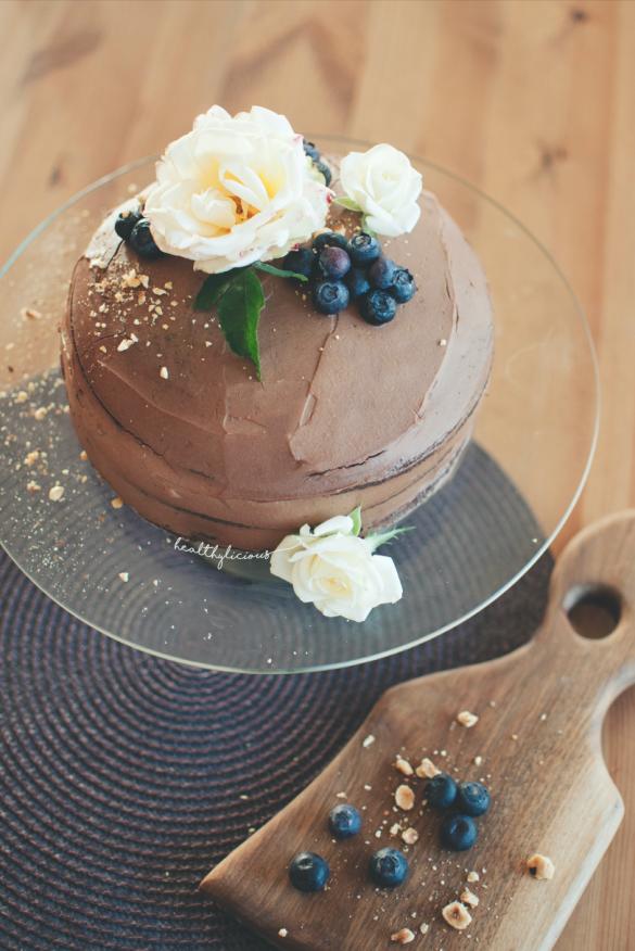 Торта с шоколадов крем и боровинки