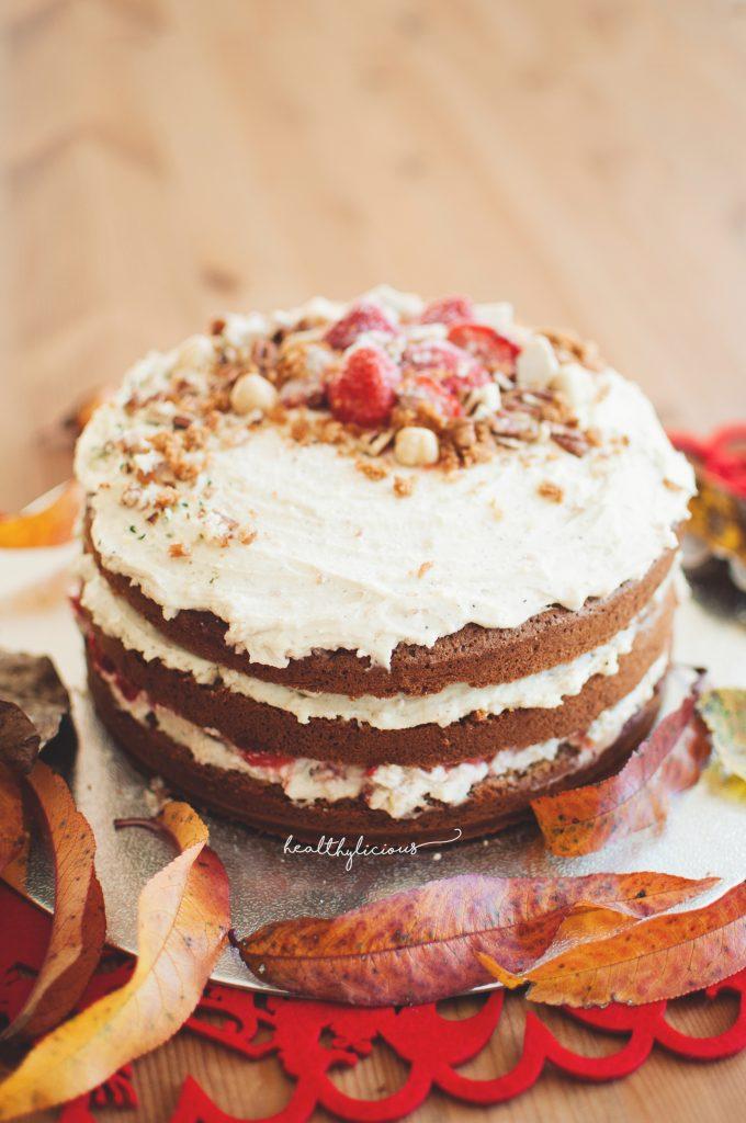 Торта с пандишпанови блатове и крем