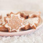 Джинджифилови сладки бисквити звезди с глазура