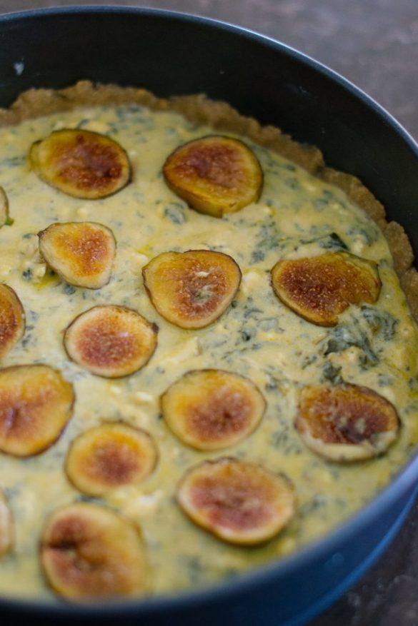 Тарт със смокини преди печене
