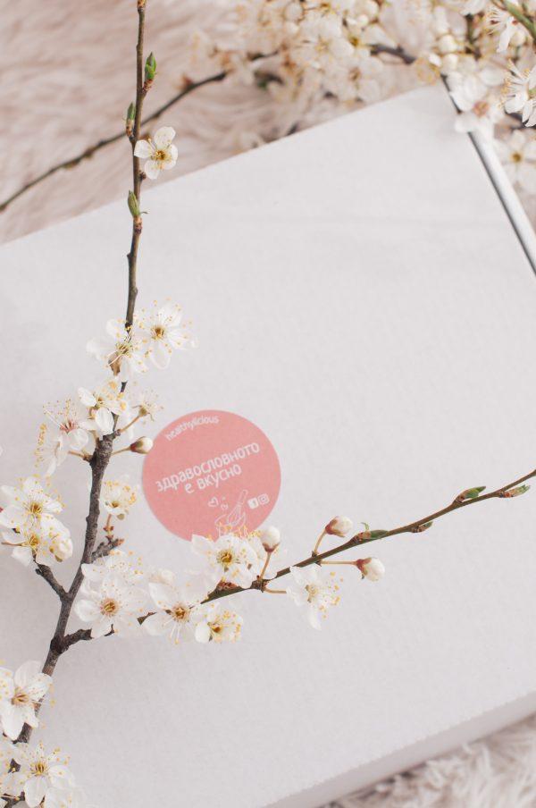Бяла пролетна кутия