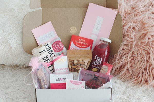 Розова кутия продукти