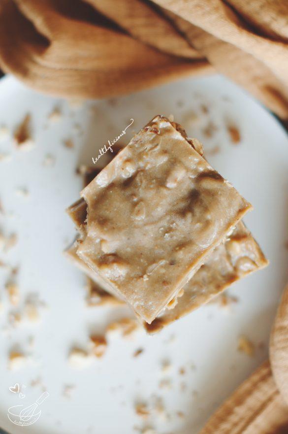 Халва барчета с орехи, слънчогледов тахан и мед